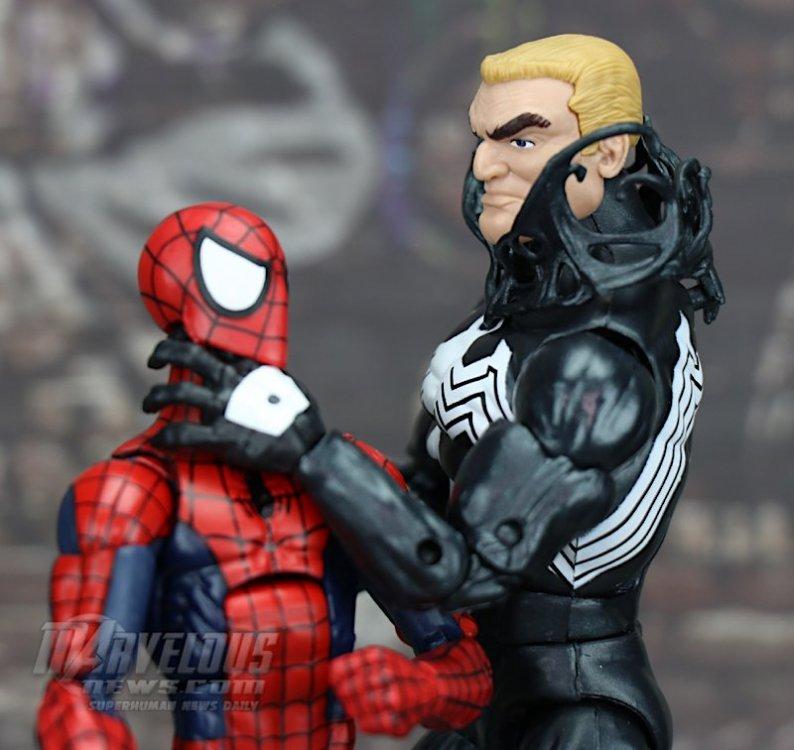 Marvel-Legends-Venom-Wave-Venom-And-Spider-Ham82.jpg
