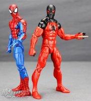 Marvel-Legends-House-Of-M-Spider-Man-And-Scarlet-Spider 37.jpg