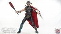 Hot-Toys-Thor-Ragnarok-Deluxe-Figure02.jpg