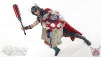 Hot-Toys-Thor-Ragnarok-Deluxe-Figure08.jpg