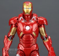 Marvel-Legends-MCU-10th-Anniversary-Iron-Man-Mark-VII10.jpg