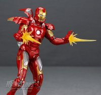 Marvel-Legends-MCU-10th-Anniversary-Iron-Man-Mark-VII20.jpg