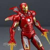 Marvel-Legends-MCU-10th-Anniversary-Iron-Man-Mark-VII22.jpg