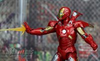 Marvel-Legends-MCU-10th-Anniversary-Iron-Man-Mark-VII33.jpg