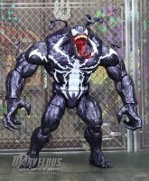 Marvel-Legends-Poison-Monster-Venom38.jpg