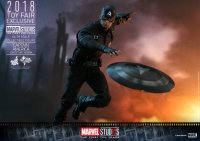 SDCC-Hot-Toys-MCU-10th-Anniversary-Captain-America-06.jpg