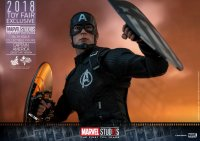 SDCC-Hot-Toys-MCU-10th-Anniversary-Captain-America-07.jpg