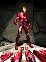 Marvel-Select-Avengers-Infinity-War-Iron-Man11.jpg