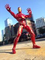 Marvel-Select-Avengers-Infinity-War-Iron-Man14.jpg