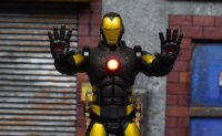 One-12-LA-Comic-Con-Iron-Man-09.jpg