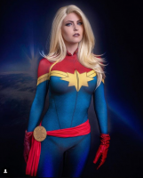 CAPTAIN-MARVEL-COSPLAY.png