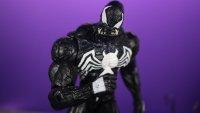 Marvel-Select-Disney-Store-Venom-04.jpg