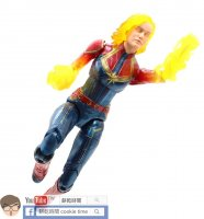 Captain-Marvel-Store-Exclusives-In-Hand-04.jpg