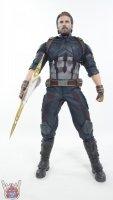 Hot-Toys-Avengers-Infinity-War-Captain-America-15.JPG