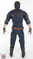 Hot-Toys-Avengers-Infinity-War-Captain-America-26.JPG