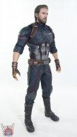 Hot-Toys-Avengers-Infinity-War-Captain-America-28.JPG