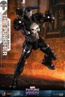 Hot-Toys-Punisher-War-Machine-05.jpg