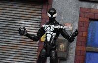 Marvel-Legends-Black-Symbiote-Spiderman-05.jpg