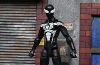 Marvel-Legends-Black-Symbiote-Spiderman-08.jpg
