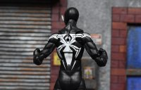 Marvel-Legends-Black-Symbiote-Spiderman-09.jpg