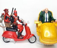 Marvel-Legends-Deluxe-Deadpool-And-Professor-X03.jpg