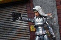 Marvel-Legends-Silver-Sable-11.jpg