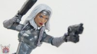 Silver-Sable-Marvel-Legends-08.JPG