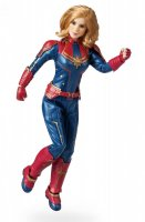 DisneyShop-Captain-Marvel-03.jpg
