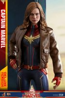 Hot-Toys-Captain-Marvel-05.jpg