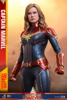 Hot-Toys-Captain-Marvel-06.jpg