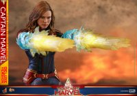 Hot-Toys-Captain-Marvel-07.jpg