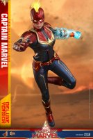 Hot-Toys-Captain-Marvel-11.jpg
