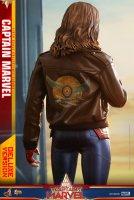 Hot-Toys-Captain-Marvel-16.jpg