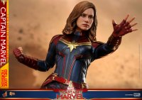 Hot-Toys-Captain-Marvel-22.jpg