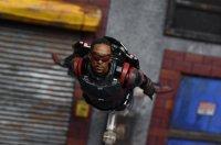 SH-Figuarts-Avengers-Infinity-War-Falcon-04.jpg