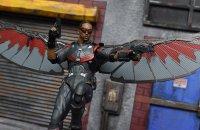 SH-Figuarts-Avengers-Infinity-War-Falcon-12.jpg