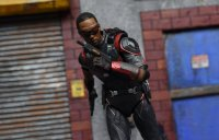 SH-Figuarts-Avengers-Infinity-War-Falcon-15.jpg