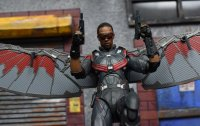 SH-Figuarts-Avengers-Infinity-War-Falcon-17.jpg