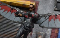 SH-Figuarts-Avengers-Infinity-War-Falcon-20.jpg