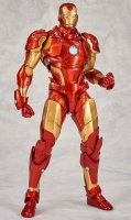 Revoltech-Bleeding-Edge-Iron-Man-01.jpg