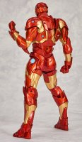 Revoltech-Bleeding-Edge-Iron-Man-02.jpg