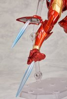 Revoltech-Bleeding-Edge-Iron-Man-20.jpg