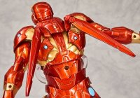 Revoltech-Bleeding-Edge-Iron-Man-21.jpg